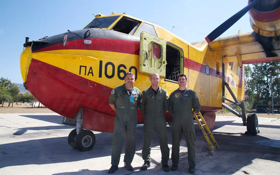 sons-succeed-fathers-in-the-cockpits-of-country-amp-8217-s-canadairs1