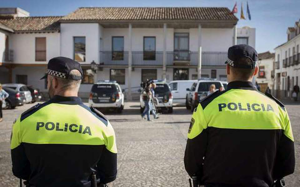 spanish-police-arrest-24-in-valencia-corruption-raids