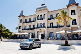 volvo--grand-hotel-poseidonion_1
