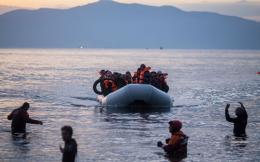 05s10refugees_arr