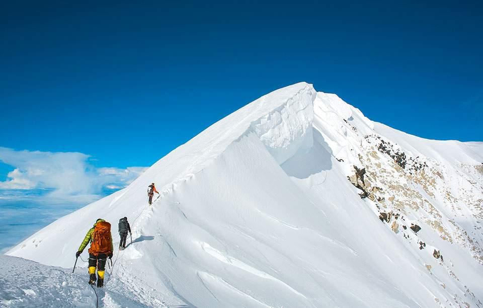 18b-summit-serac-2