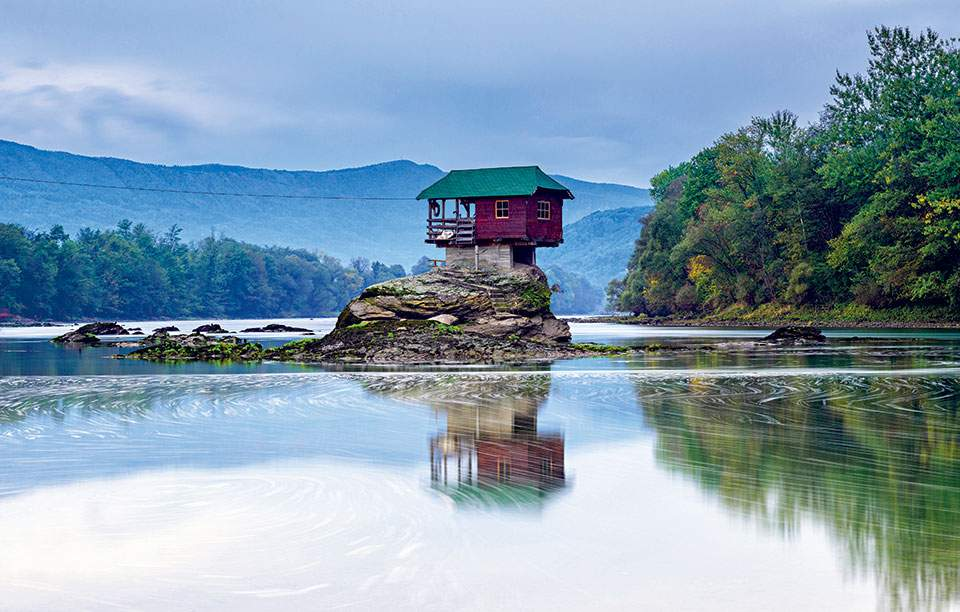 drina-river-house-shutterstock_338262623