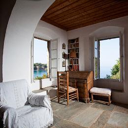 kamilo-nollas-patrick-leigh-fermor-bedroom-03
