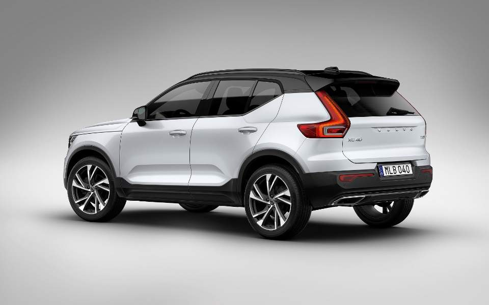 new-volvo-xc40_ext-rear