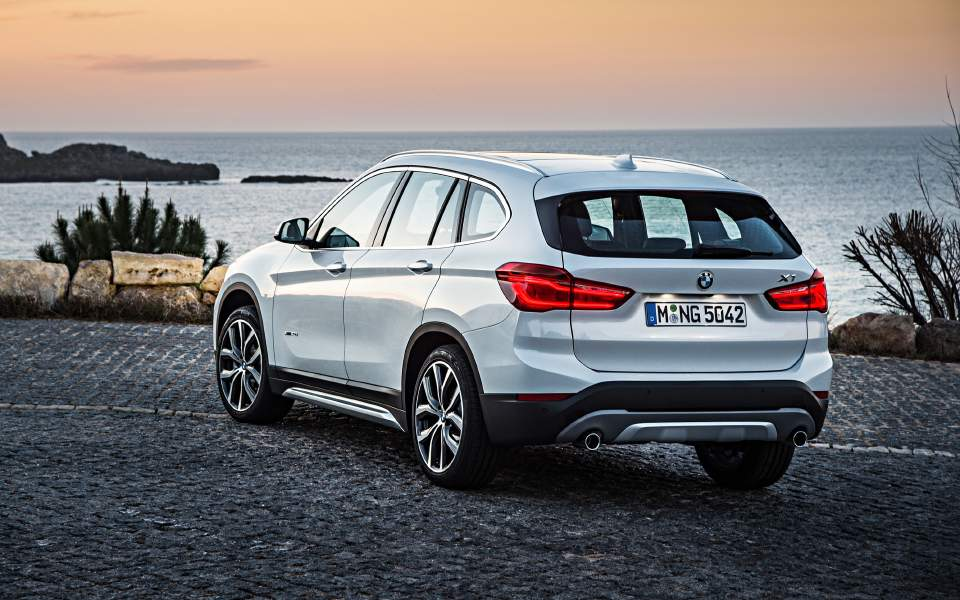 p90276481_highres_the-new-bmw-x1-09-20