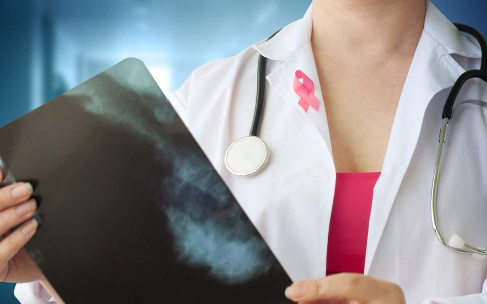 Γυναίκα ιατρός που χρονολογείται