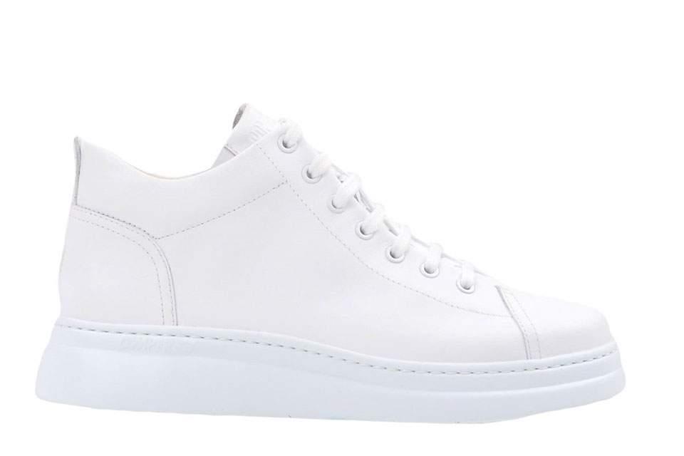 sneakerska