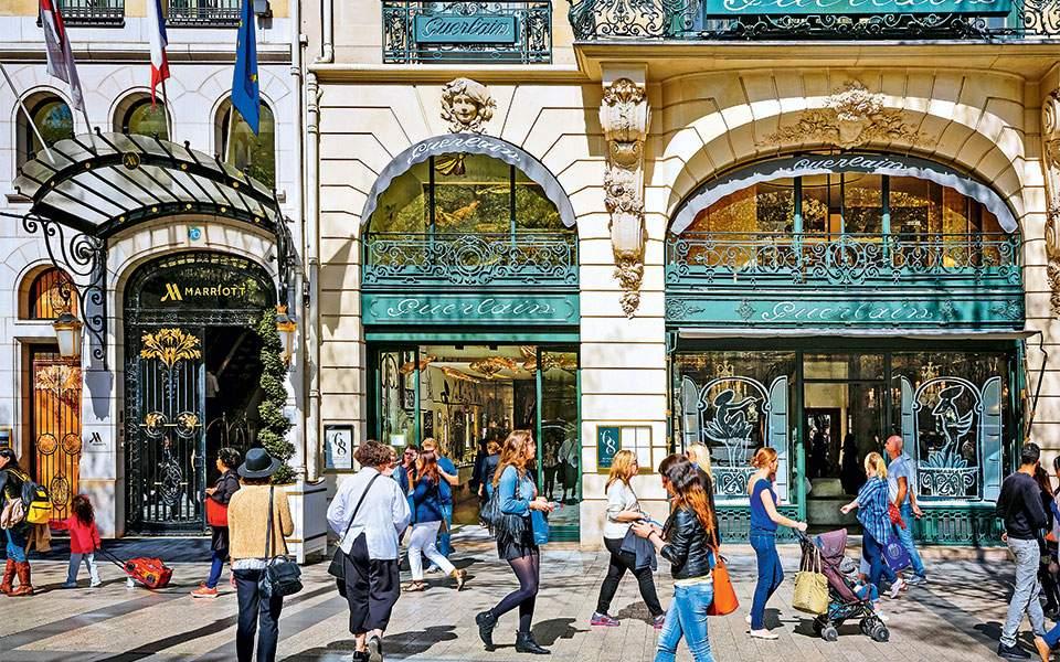 σε απευθείας σύνδεση ραντεβού στο Παρίσι