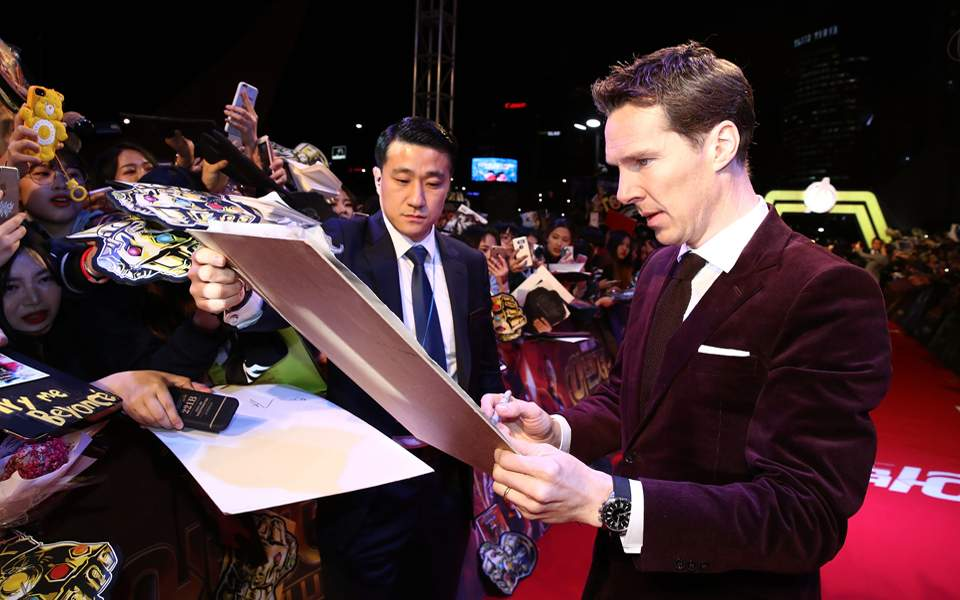 benedict-cumberbatch-in-seoul-with-a-jaeger-lecoultre-polaris-memovox_2
