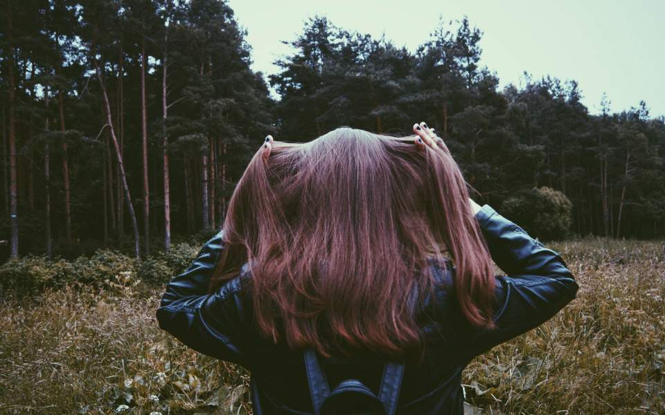 hair-girl-forest