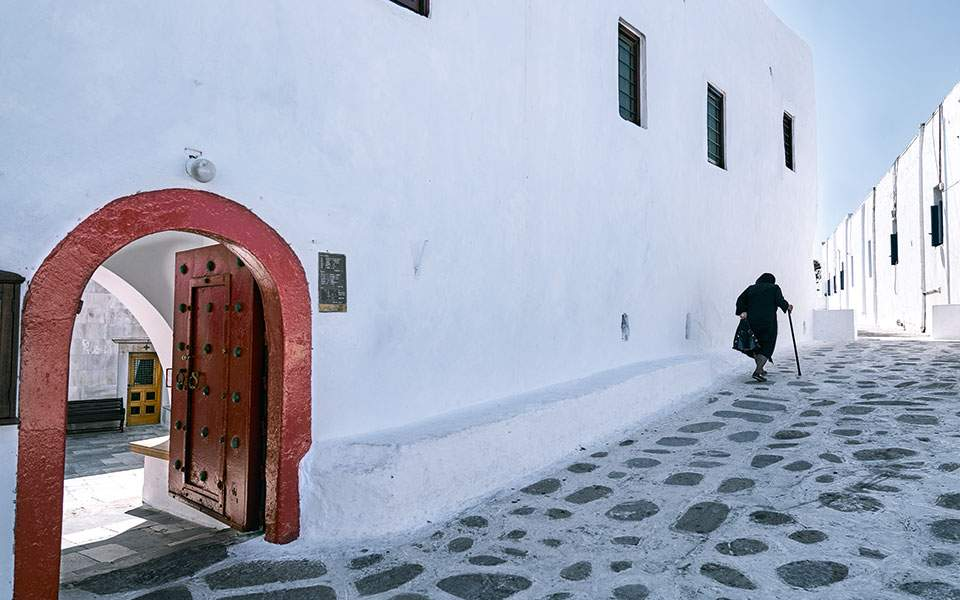 mykonos--tourliani-monastery-in-ano-mera