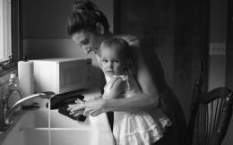 child-kitchen-mother