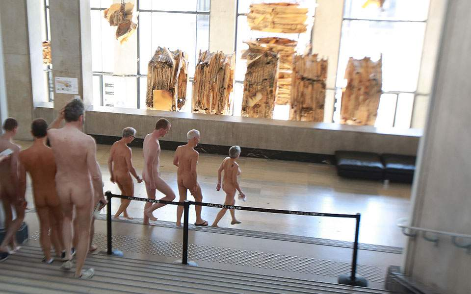 naked_museum_1