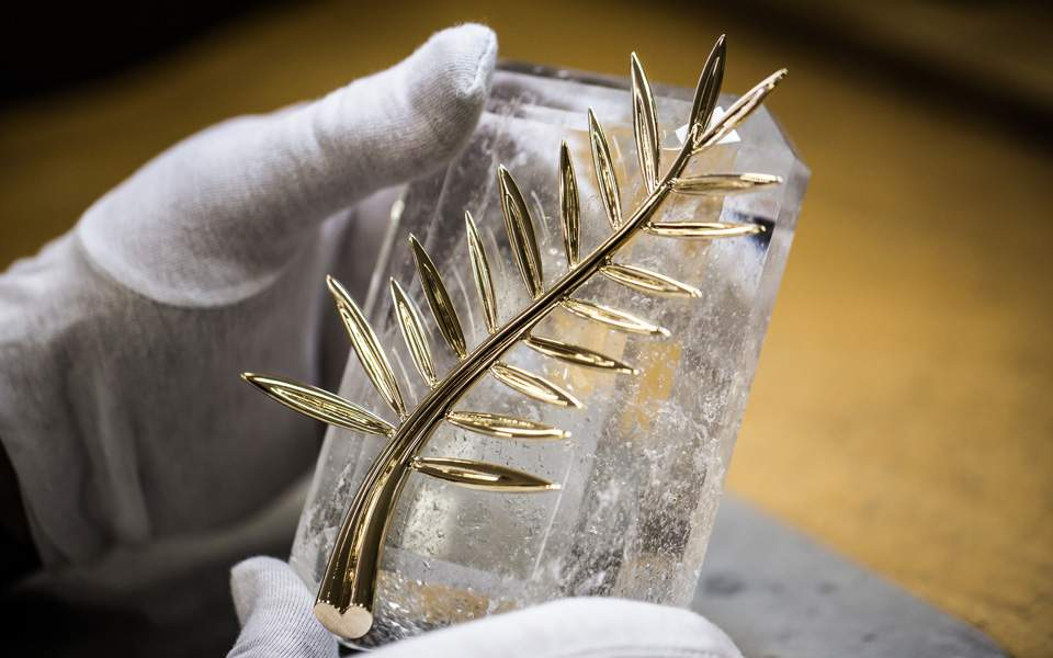 palme-on-its-cristal-base-1