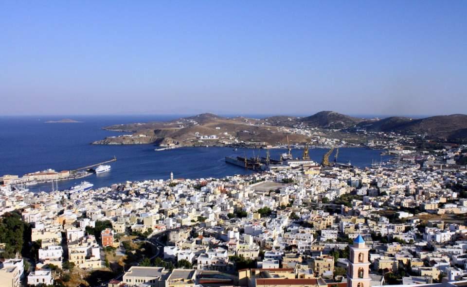 syros_port_hermoupolis_f-310841956