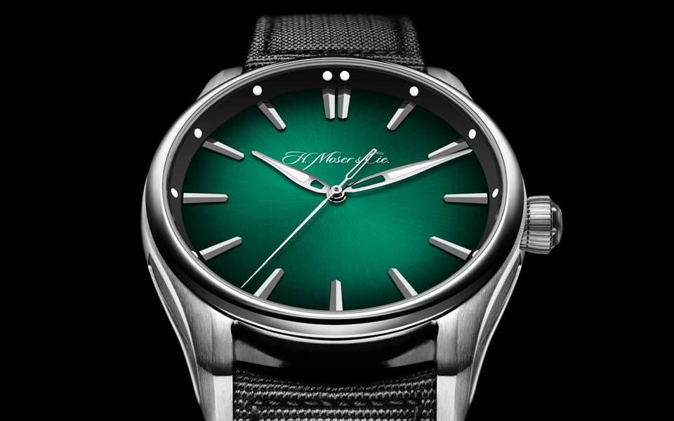 hmoser-pioneer-centre-seconds-cosmic-green_3200-1202_pr_black-background