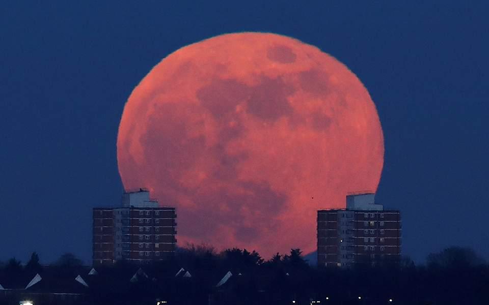 a-full-moon-_3