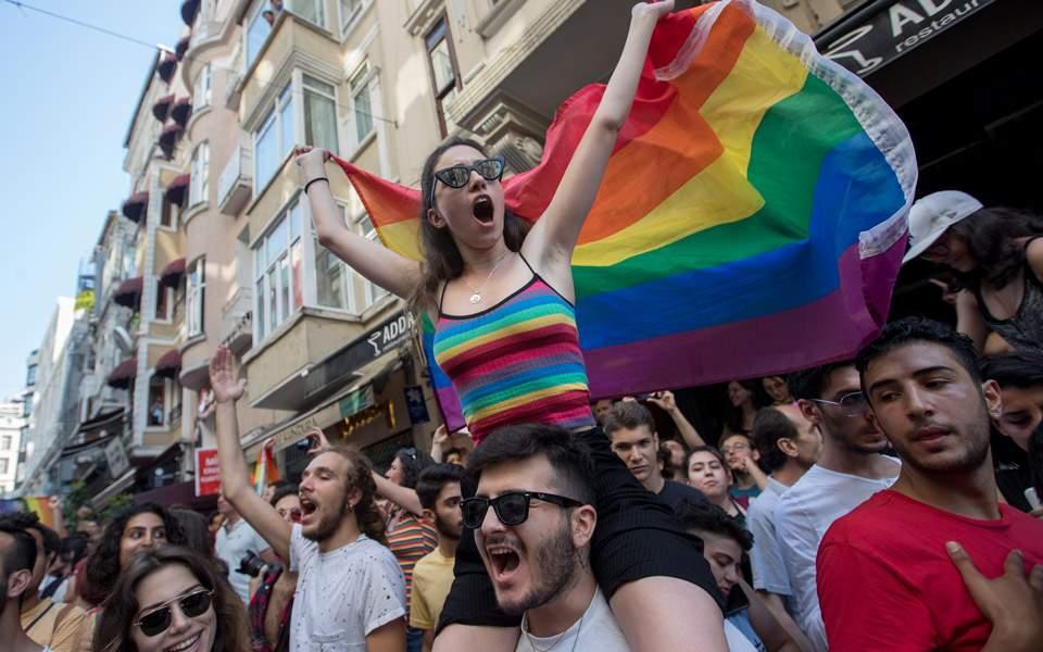 gay-pride-in_2