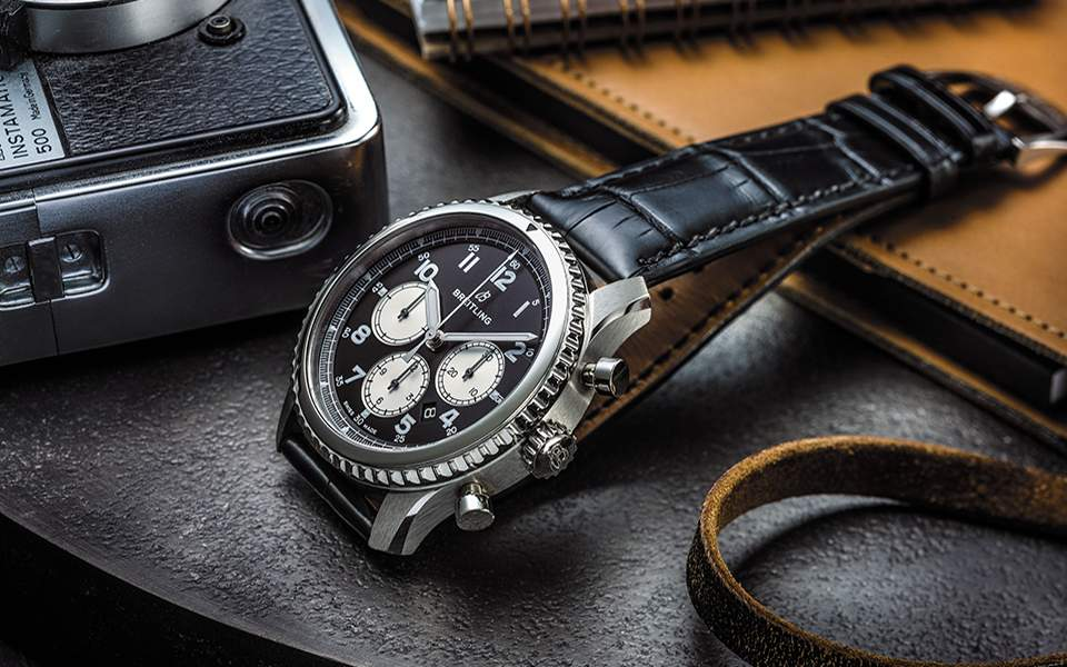 breitling-navitimer-8-b01with-black-dial-and-black-alligator-strap_02