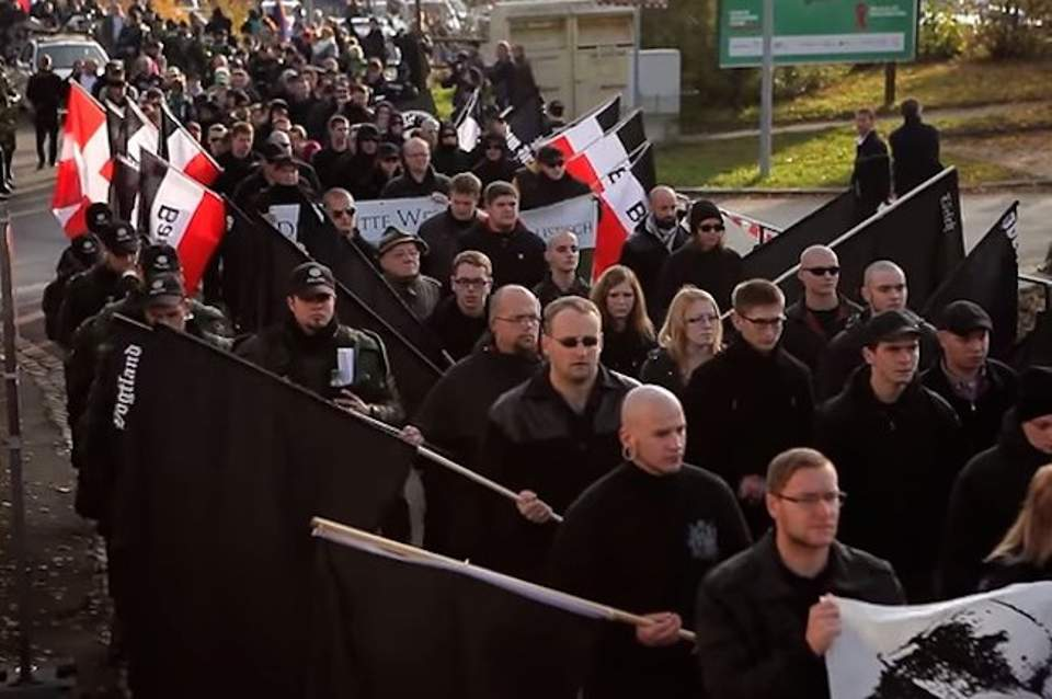 pos-tin-patisan-kapoioi-neonazi-sti-germania