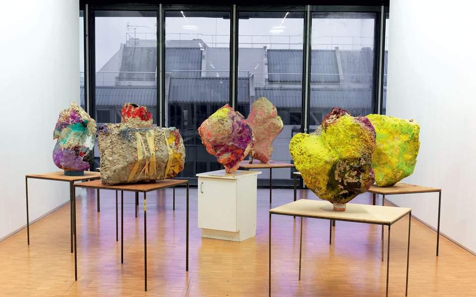 franz-west-group-with-cabinet-ensemble-de-8-sculptures-2001--franz-west---centre-pompidou--dist-rmn-gp--ph-migeat-1
