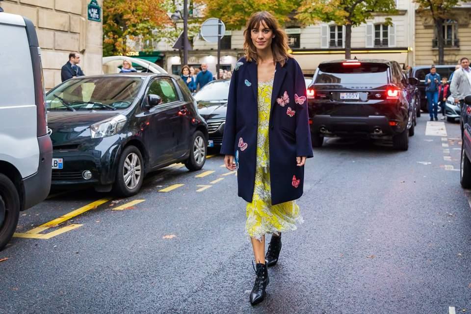 a4bb3525ed3c 6 fresh τρόποι να φορέσεις το νεγκλιζέ φόρεμά σου αυτό το Φθινόπωρο ...