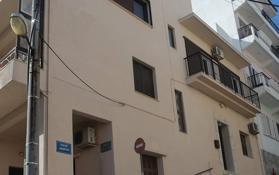 f473760795 Στο σπίτι του κ. Ντογιάκου δεν υπήρχε στατική φύλαξη. Ο εισαγγελέας διέθετε  αστυνομική συνοδεία κατά τις μετακινήσεις του.