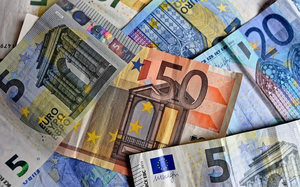 money-3481699_960_720--3