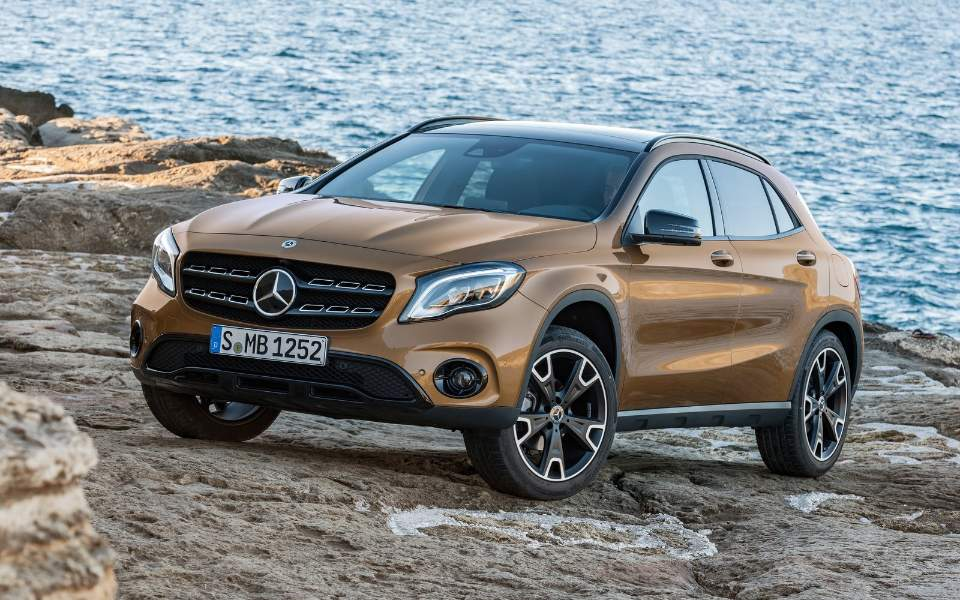 mercedes-benz-gla-2018-1600-01