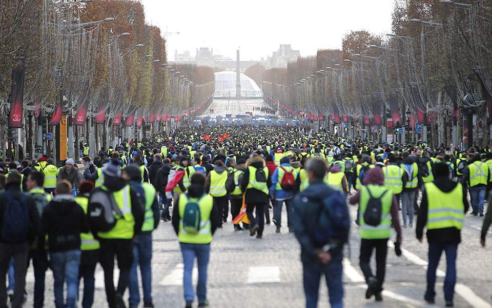 yellow-vests--7