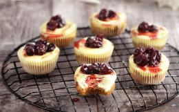 atomika-cheesecake-se-thikes-muffins