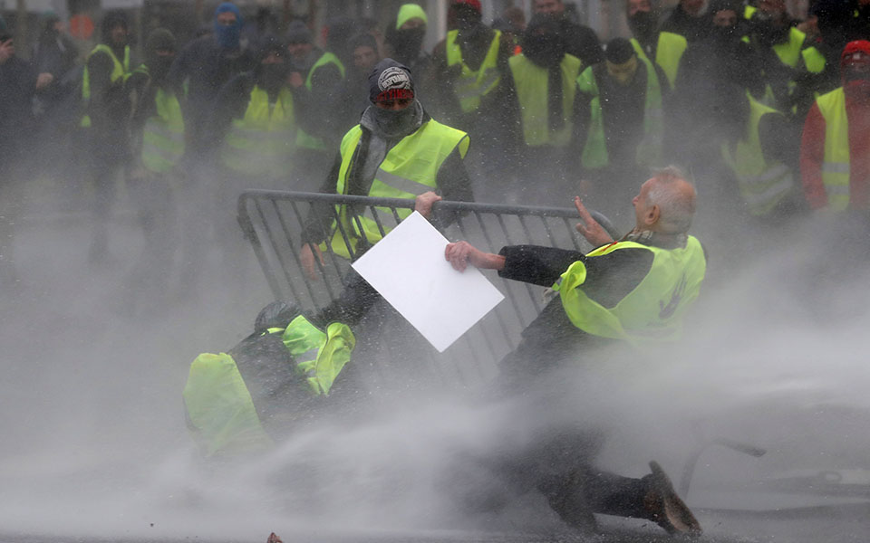 Βέλγιο: Νεκρός διαδηλωτής των «κίτρινων γιλέκων»
