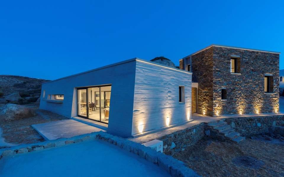 aristides-ntallas-a-house-between-the-rocks-main