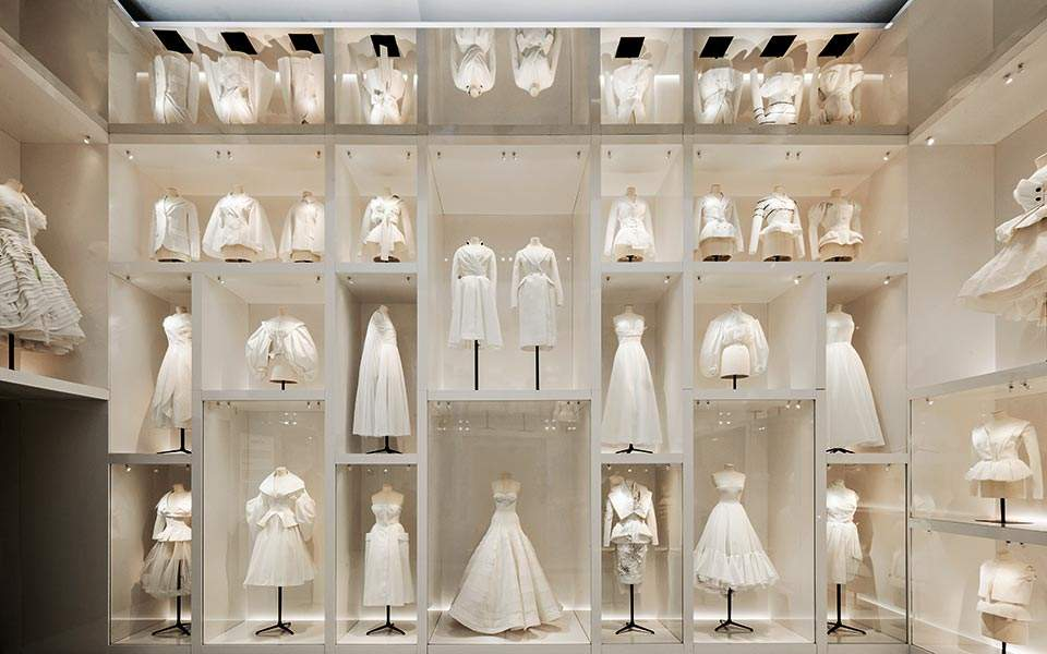 va_christian-dior-designer-of-dreams-exhibition_atelier-section-c-adrien-dirand-13-copy