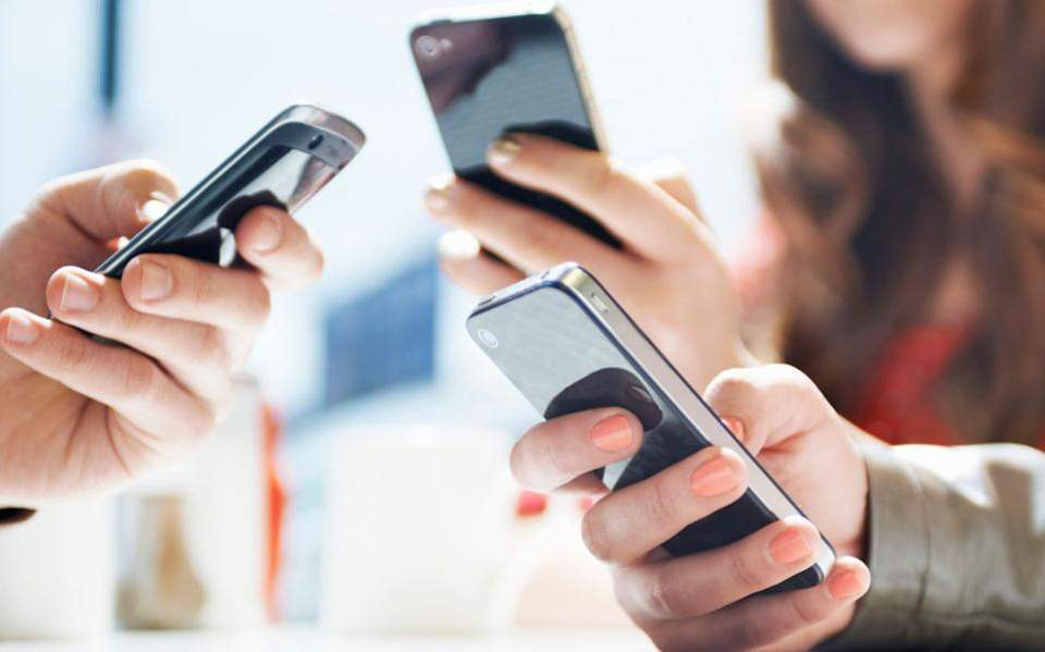 Πωλήθηκαν 478.000 κινητά μέσω της πλατφόρμας Skroutz το 2018