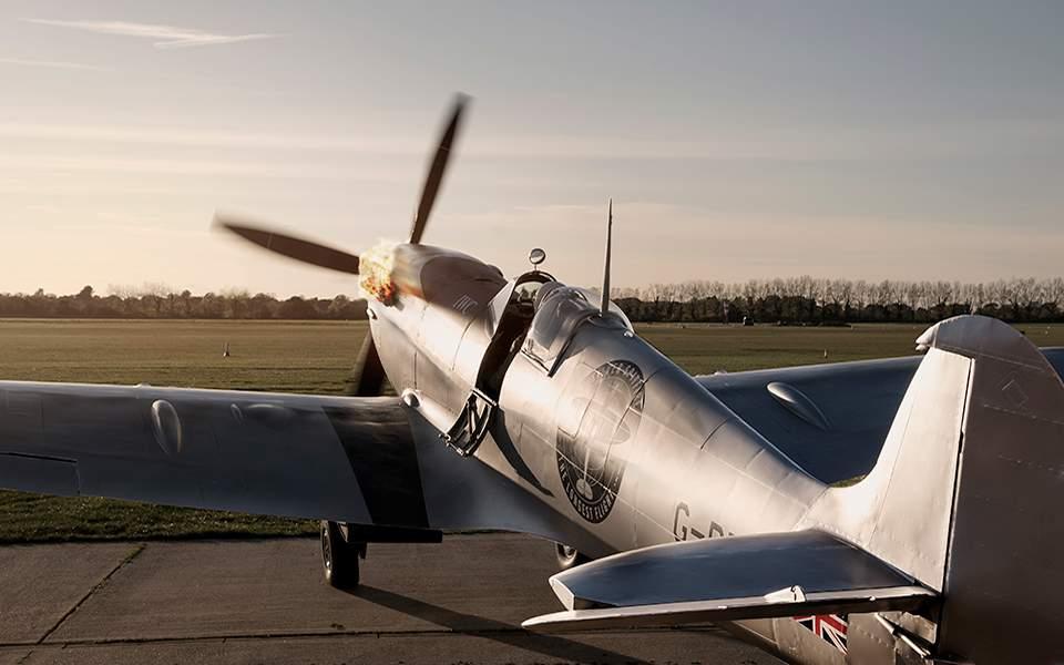 837f8d8e37 ... iwc-spitfire-thelongestflight-747705