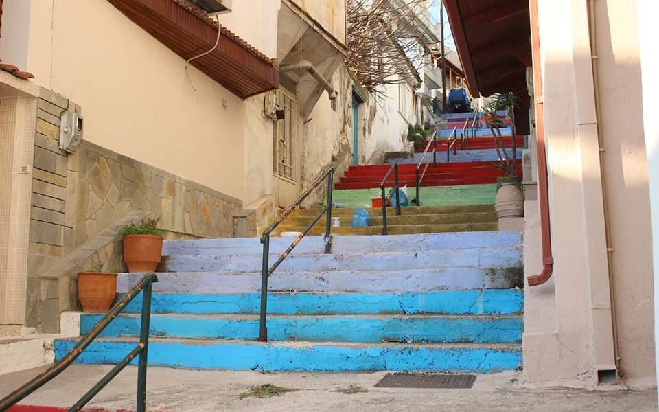 Πολύχρωμα σκαλιά έκαναν την Καβάλα να θυμίζει Ρίο ντε Τζανέιρο ... 6e42892dcf9