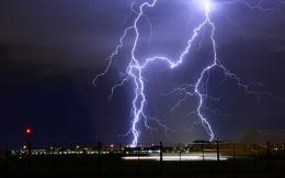 lightning-thumb-large--2