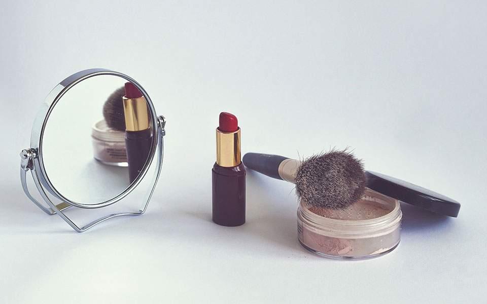 cosmetics-1543276_1920