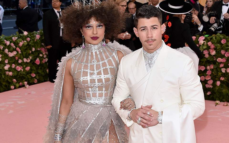 priyanka-chopra-and-nick-jonas-attend-the-2019-met-gala-celebrating-camp-notes-on-fashion-at-metropolitan-museum-of-art-0605