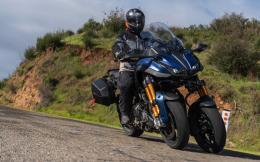 2019-yamaha-niken-gt-review-three-wheel-motorcycle-14
