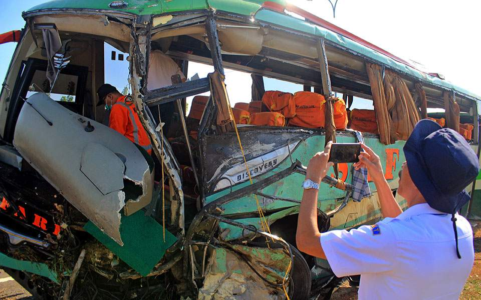 bus-accident_1