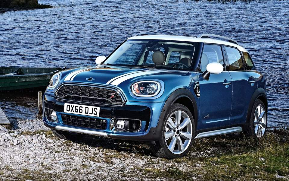 mini-countryman-2017-1600-02