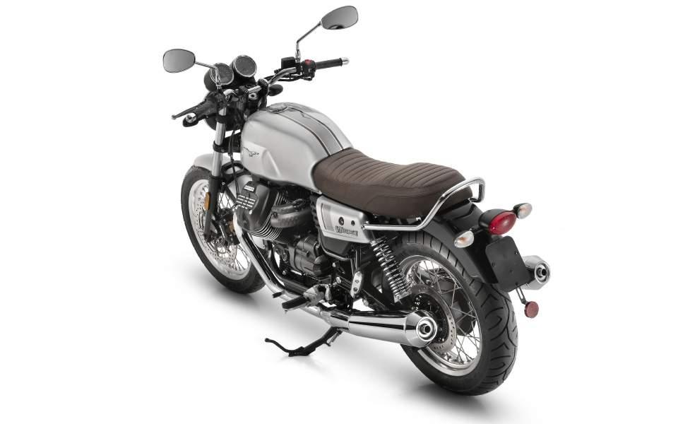 03-moto-guzzi-v7-iii-special-grigio-cristallo