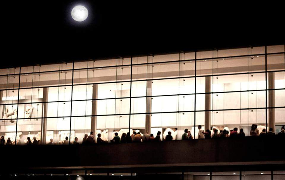 acropolis-museum_august-full-moon_1-thumb-large