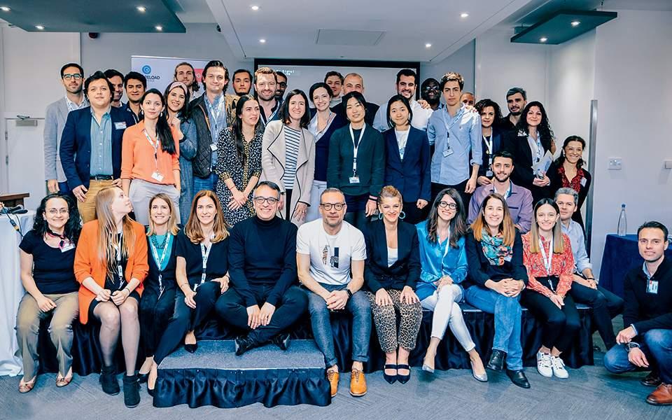 Επιχειρηματικές ευκαιρίες για γνωριμίες σε απευθείας σύνδεση