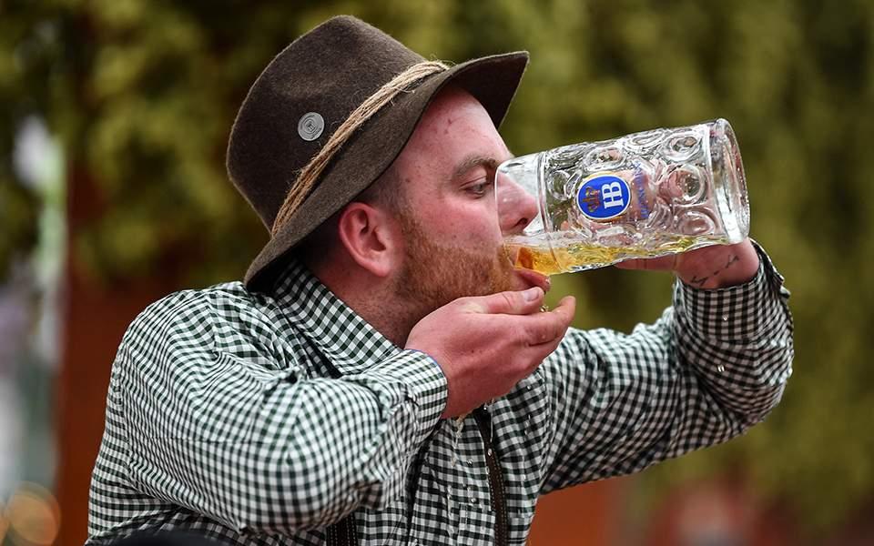 Ξεκίνησε το 186o Octoberfest στο Μόναχο (φωτογραφίες)