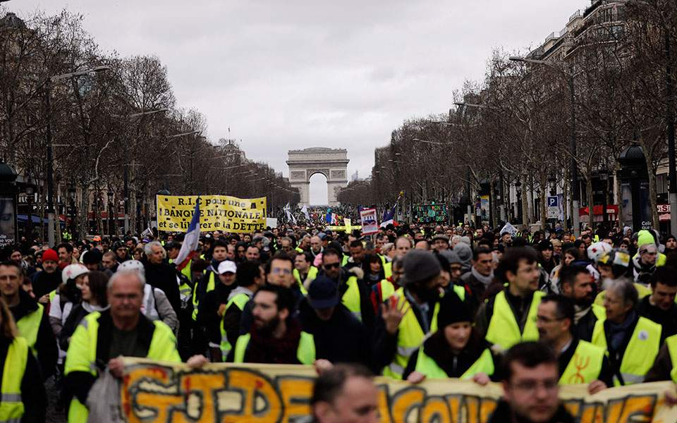 yellow-vests-paris
