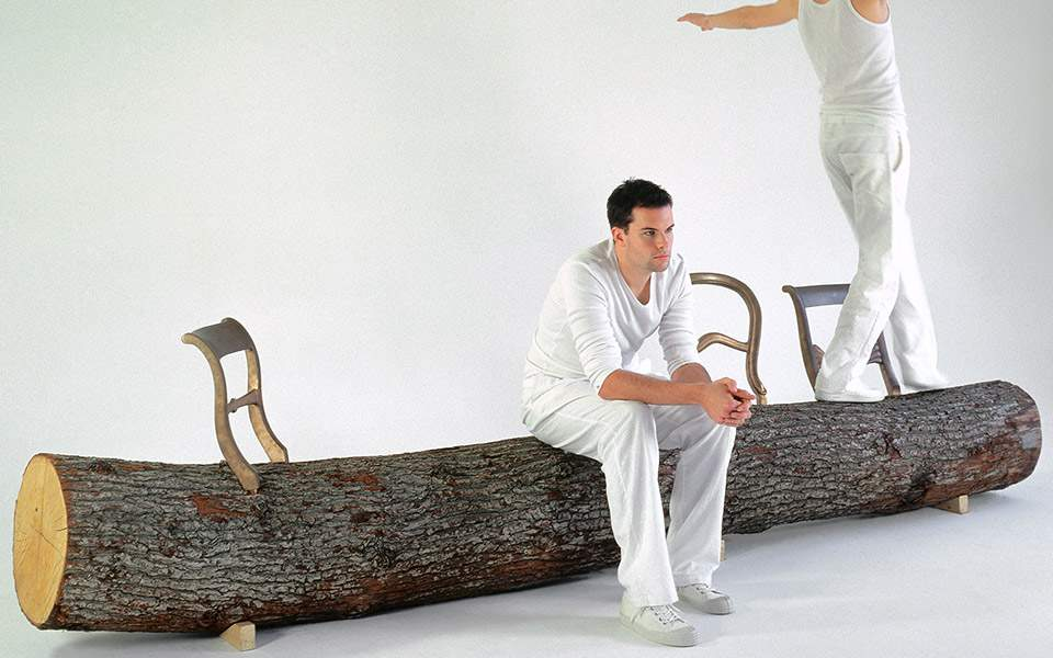 11-vdm-afterthewall-jurgen-bey-tree-trunk-bench