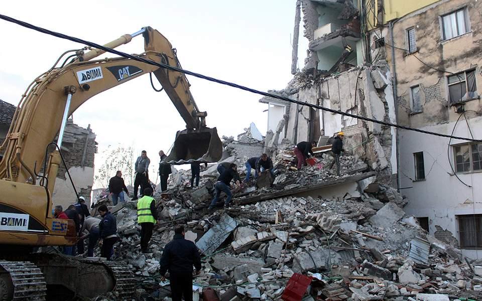 Αποτέλεσμα εικόνας για Τους 25 έχουν φτάσει οι νεκροί στην Αλβανία